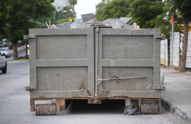 The Top Mistakes to Avoid When Searching for a Dumpster Rental Service