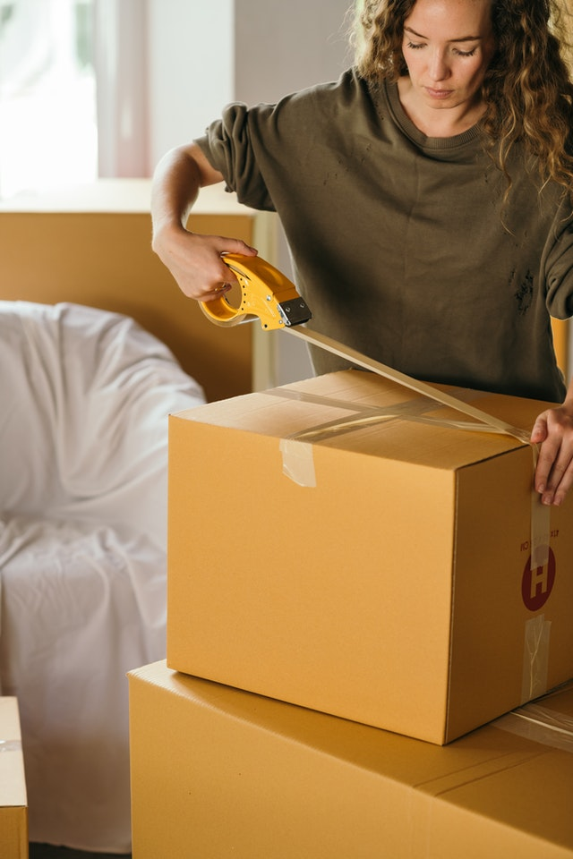 How a Dumpster Company Can Help You Move Out
