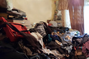 Helpful Decluttering Tips for a Hoarder