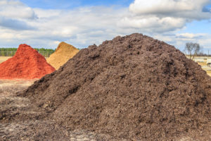 Should You Order Mulch or Compost for Delivery for Your Landscape Project?
